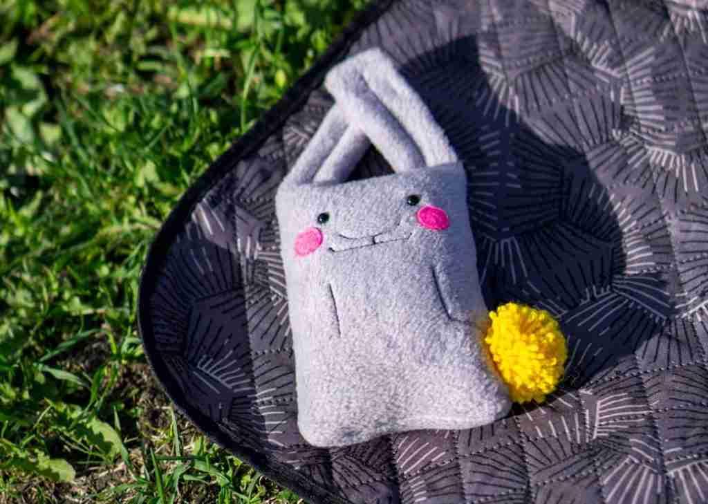 Rabbit de Niro on the blanket