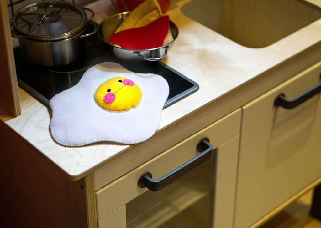 Fried egg pretend play kitchen